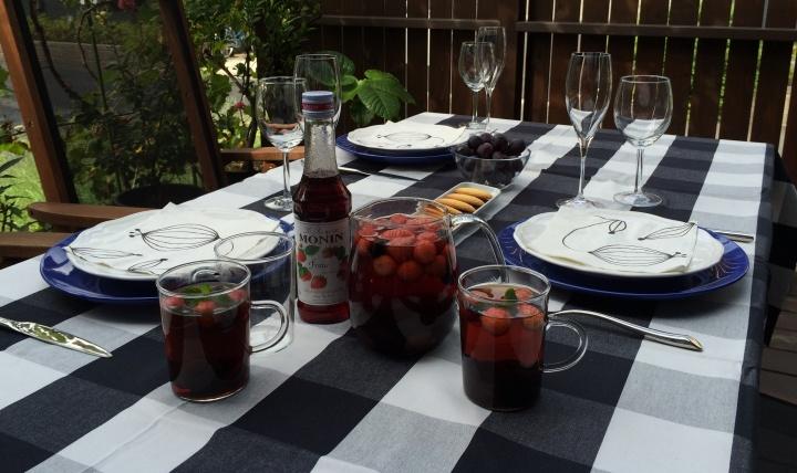 テーブルを華やかに演出するフランス生まれのシロップです。