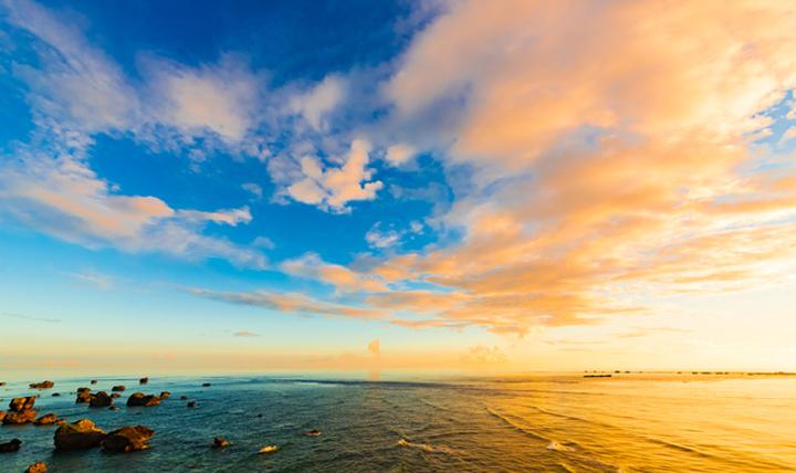 夏しか海には入れない?いいえ、沖縄なら大丈夫です!